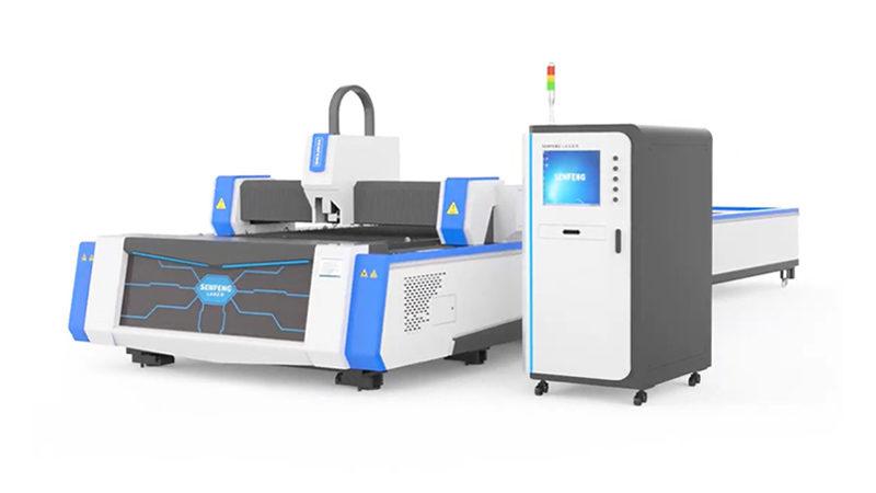 Волоконный лазер для резки металлов со сменными паллетами Senfeng SF3015A3